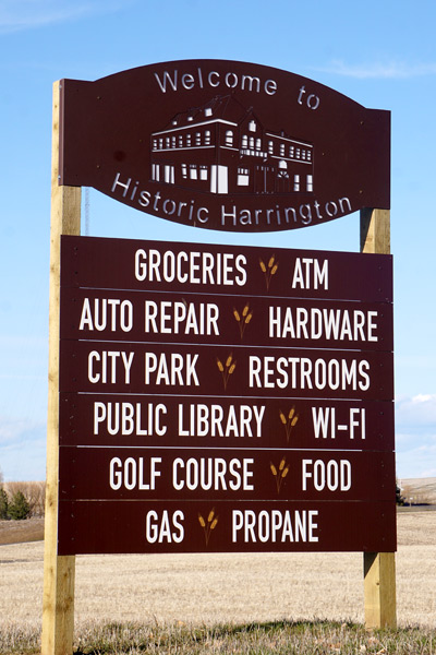 Harrington Sign - Groceries ATM - Auto Repair hardware - City Park - Restrooms - Library - WiFi - Golf Course - Food