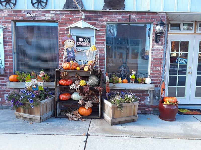 Studio-1-Shop-Front-Harrington-WA-Fall-2018